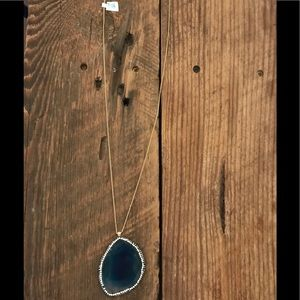 Jewelry - Blue geode necklace